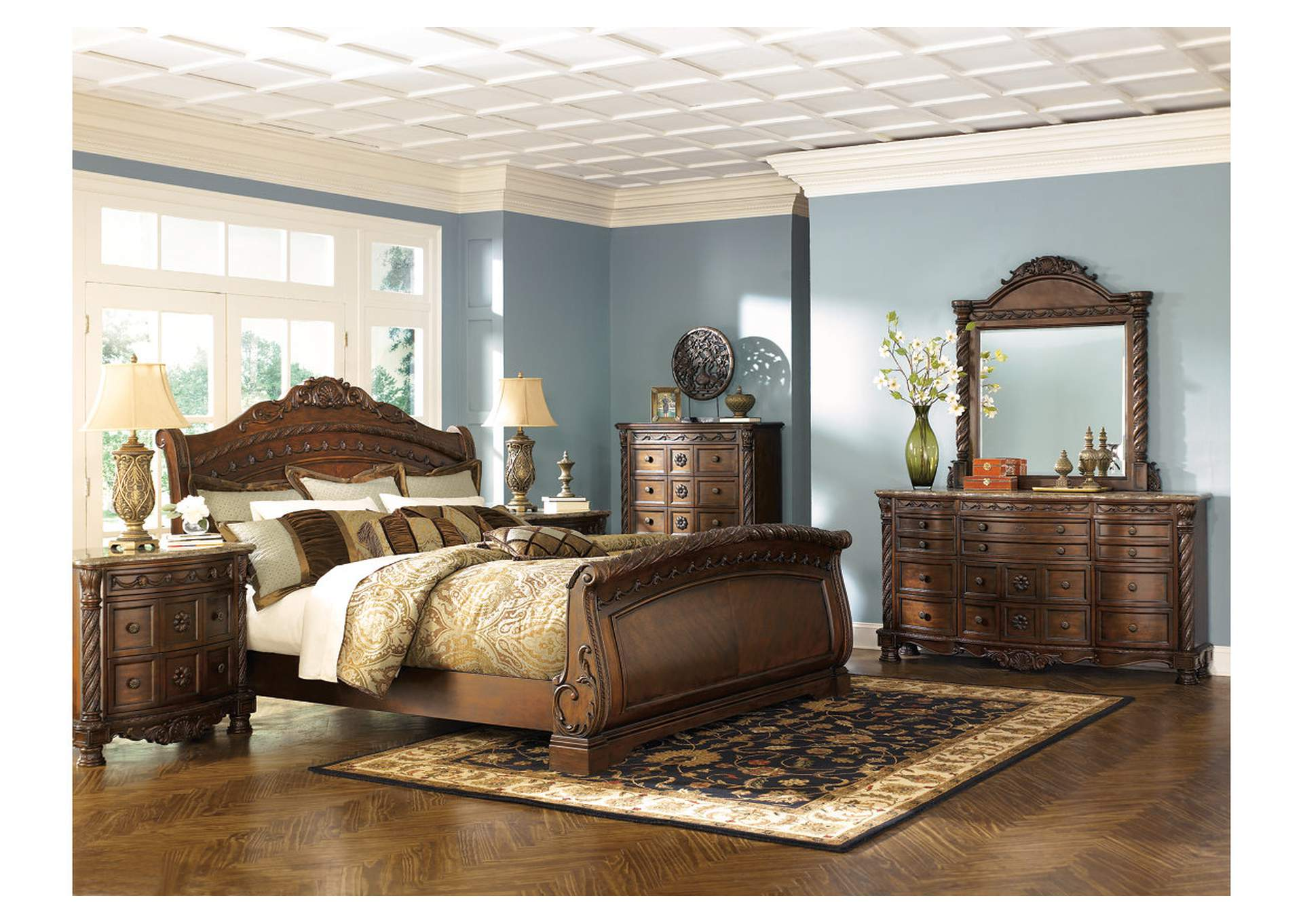 North Shore Queen Sleigh Bed w/Dresser and Mirror