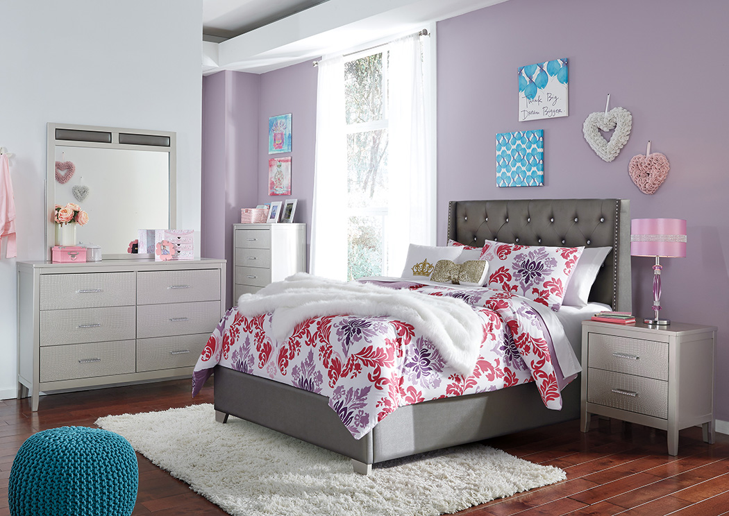 Coralayne Full Panel Bed w/Dresser and Mirror